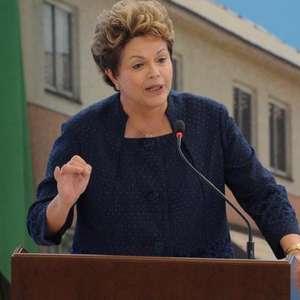 Fundador do PT protocola pedido de impeachment de Dilma