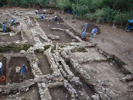Descubren tumba de integrante de la nobleza Wari en el Cusco
