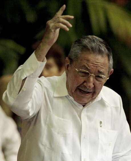 El presidente cubano Raúl Castro habla durante el VI Congreso del Partido Comunista, el sábado 16 de abril del 2011
