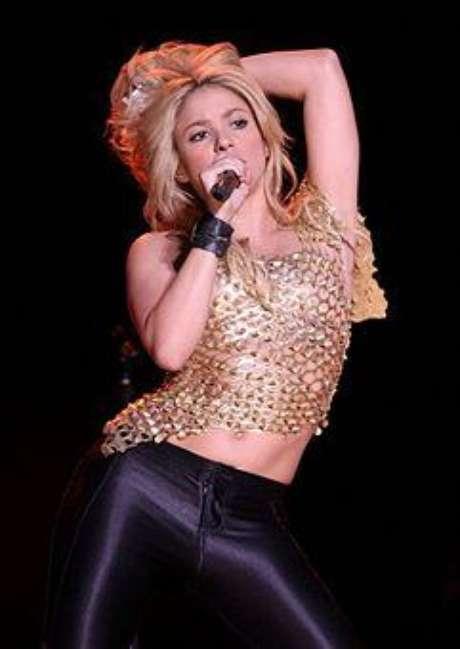 Shakira desmiente su embarazo.