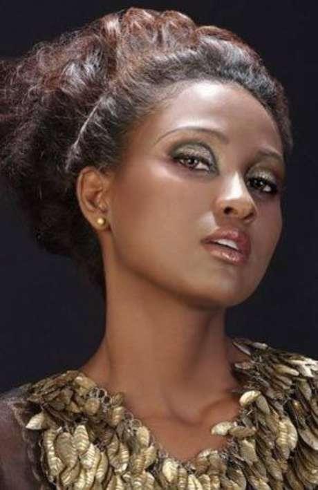 Diana mina debuta como presentadora en 39 sweet 39 - Agencia de viajes diana garzon ...