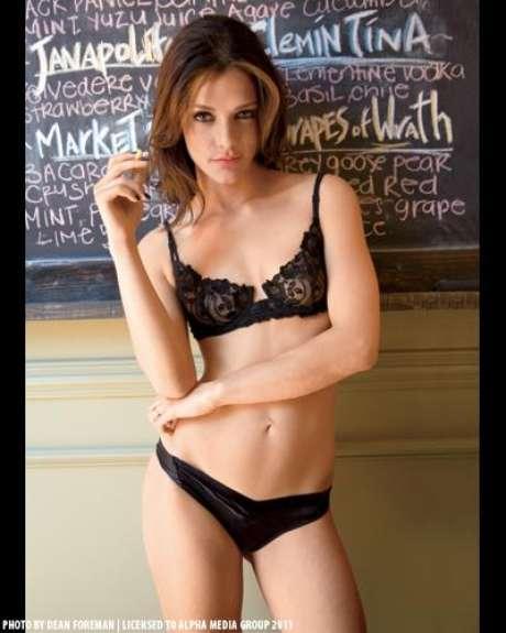 Esta es una de las fotos de Sandra Vergara en la revista Maxim de este mes.