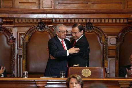 Rub n ballesteros asume como presidente de la corte suprema for Donde queda el ministerio de interior y justicia