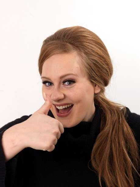 Estas son las 10 canciones más escuchadas en Sonora. http://sonora.terra.com.co/ Adele / 21 / Rolling In The Deep.