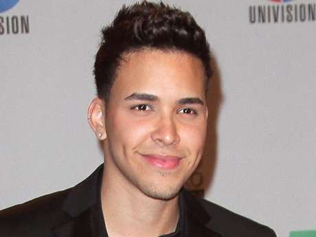 <p>Prince Royce surely made a few people faint with his handsomeness.</p>