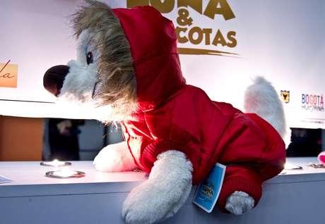 Hasta las mascotas tuvieron su espacio en la Semana Internacional de la moda de Bogotá, la diseñadora  Esmeralda Hernández  se encarga de diseñar todo tipo de ropa para perros sin importar el tamaño. Salón futuro se encargó de reunir lo mejor del diseño de joyería marroquinería y calzado, bisutería y accesorios. Esta convocatoria se convierte en una vitrina para los nuevos talentos de la moda colombiana.