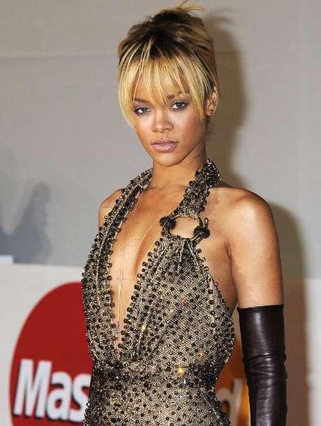 La cantante asegura que evitará caer en las drogas como Britney Spears y Amy Winehouse.