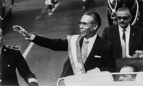 Gustavo Díaz Ordaz Bolaños (Puebla, 1911-1979), se desempeñó como presidente de México del 1964 a 1970. Durante su mandato se reprimió el movimiento de protesta estudiantil, gestados principalmente dentro de la UNAM y el Instituto Politécnico Nacional, por lo que ordenó desarticular las huelgas estudiantiles que culminaron en la matanza de la Plaza de las Tres Culturas, en Tlatelolco, en la Ciudad de México.