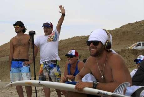 Diez surfers peruanos entre los 11 y 15 años pasaron una semana intensiva de entrenamientos en las playas del norte.
