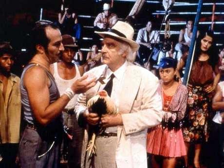 <p><strong>'El Coronel No Tiene Quien le Escriba'</strong> (1999). 'Gabo' fue muy reticente a que esta historia fuera adaptada a la pantalla grande, debido al gran cariño que le tiene. Sin embargo, el tratamiento dado al guión lo convenció de aprobar el proyecto.</p>