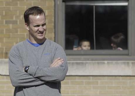Payton Manning es agente libre y varios equipos buscan sus servicios.