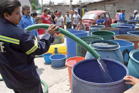 La delegación prepara una flotilla de 34 pipas para distribuir agua