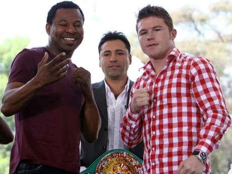 Oscar de la Hoya dijo que los ganadores de Canelo-Mosley y Mayweather-Cotto se enfrentarán.