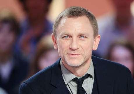 Craig le cuenta a su esposa todo lo que ocurre en el set de 'James Bond'.