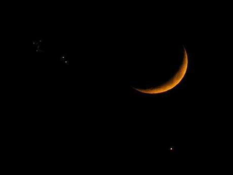 La Luna, Júpiter y Venus en el cielo, imagen captada en 2008