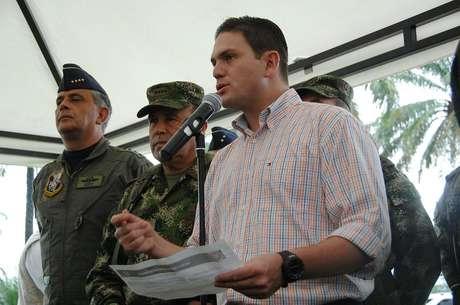 El ministro de Defensa, Juan Carlos Pinzón, destacó la magnífica relación que las fuerzas militares tienen con las comunidades indígenas de Meta y Guaviare.
