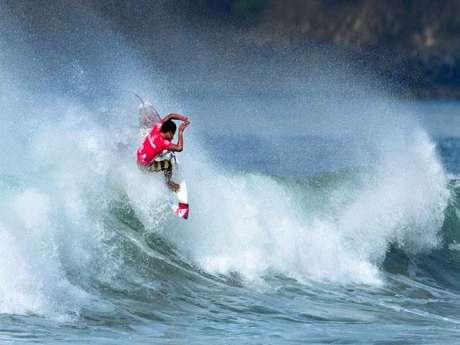 Juninho Urcia es una de las principales cartas del 'team' peruano en en Mundial Junior de surf.