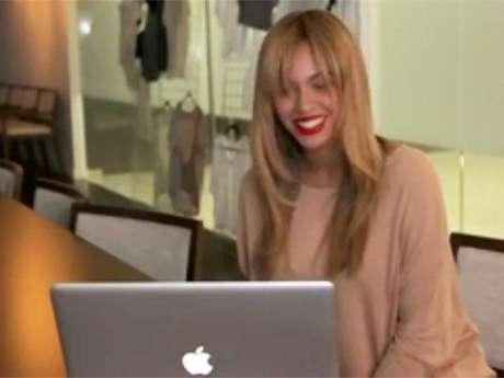 Beyoncé hablando por Skype con un fan