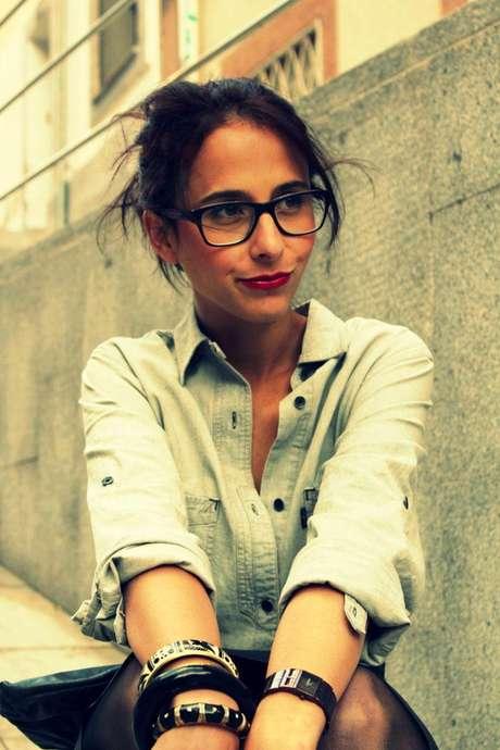 """Milagros Plaza empezó el blog Style in Lima cuando regresó al Perú después de vivir durante 5 años en Londres y Barcelona. Ella no había visitado Lima en todo ese tiempo y, al volver, notó un cambio radical en el mundo de la moda. """"Me topé con la contradicción de estar creciendo en moda, ¡pero no atrevernos a nada! Me di cuenta de que la gente necesitaba un empujoncito de alguien con quien pueda sentirse identificada""""."""