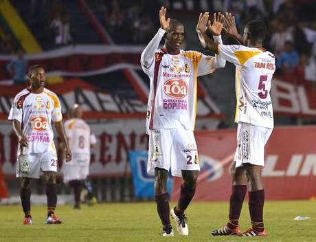 Deportes Tolima logró ganar en Barranquilla y sigue líder con 26 puntos