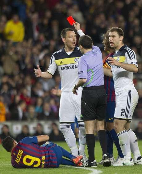 Barcelona en menos de una semana se quedó sin Liga Española y sin UEFA Champions League, perdió con Real Madrid y quedó eliminado a manos de Chelsea.