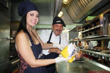 Lucía Oxenford y el chef Adolfo Perret.