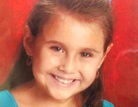 Isabel Mercedes Celis, de seis años, está desaparecida desde el sábado 21 de abril de 2012 en Arizona, Estados Unidos. La búsqueda de la menor se ha ampliado a México, dijeron las autoridades policiales en Tucson.