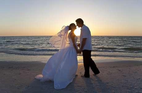 Toma nota de todo lo que necesitas para cumplir tu sueño de casarte en la playa.