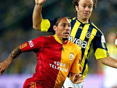 Juan Pablo Pino pertenece al Galatasaray de Turquía y posiblemente negociarían su regreso al DIM para el segundo semestre del 2012