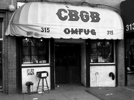 El CBGB, el famoso templo del punk volverá a hacer ruido.