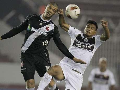 Teófilo durante su último partido con Lanús por Copa Libertadores