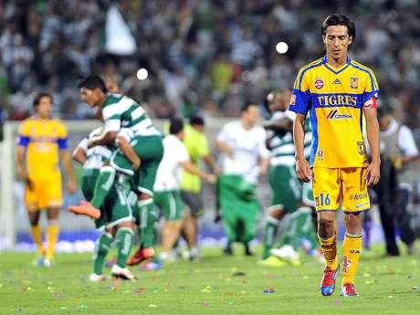 Lucas Lobos, capitán de Tigres, lamenta la eliminación de la UANL ante Santos Laguna