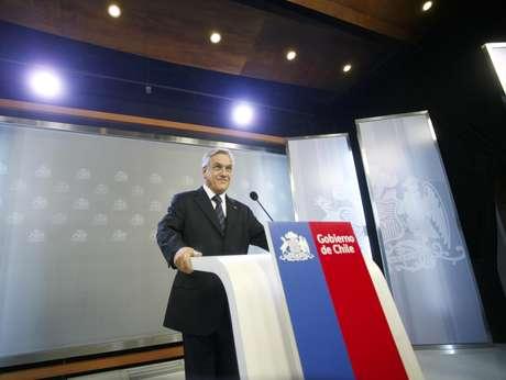 Presidente Visita La Nueva Sala De Prensa De La Moneda