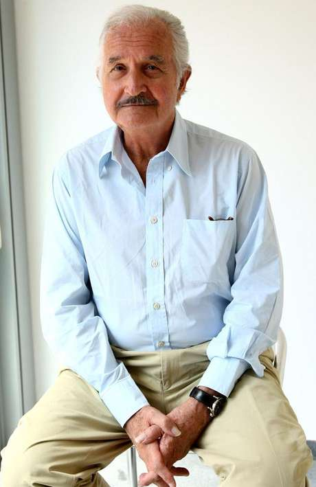 Carlos Fuentes murió en la ciudad de México el 15 de mayo de 2012, a los 83 años de edad.