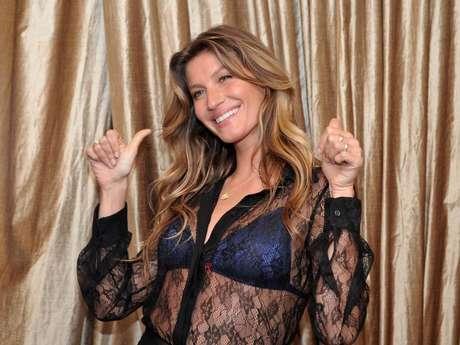 5af8ff615 Gisele Bündchen lança coleção de lingerie em São Paulo. publicidade. O  evento aconteceu na loja da marca na rua Oscar Freire