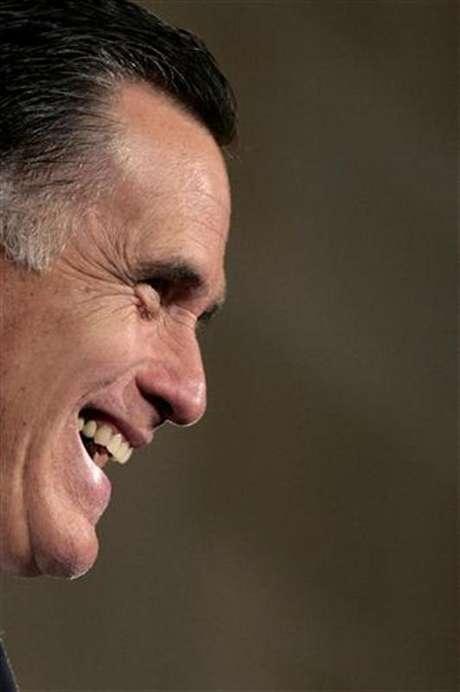 Mitt Romney no está a favor del Dream Act y su idea es forzar a los indocumentados para lograr la autodeportación.