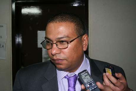 El fiscal Antonio Luis González fue señalado por la defensa de Laura Moreno de haber substraído todas las muestras de sangre de Luis Andrés Colmenares en Medicina Legal.