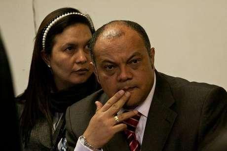 'Si él (Iguarán) dice que entrega su tarjeta profesional habrá que ver', puntualizó Luis Colmenares, quien reiteró que él mismo fue testigo del encuentro entre la juez tercera y el abogado defensor de Cárdenas.