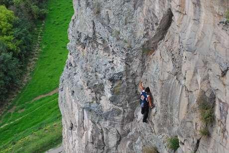Néstor Contreras es el escalador superhumano de History Channel.