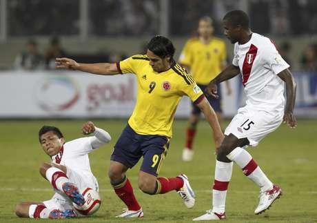 Colombia venció 1-0 a Perú en Lima.
