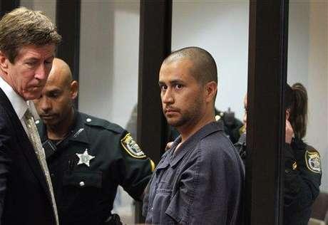 George Zimmerman se entregó a las autoridades. Su abogado pedirá una nueva libertad condicional.
