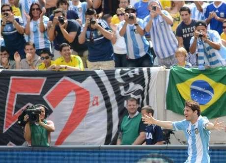 El delantero argentino Lionel Messi fue el centro de atención del último entrenamiento que realizó Argentina abierto al público de cara al partido amistoso donde derrotó a Brasil. Más de 7.000 espectadores se dieron cita en el Red Bull Arena de Harrison
