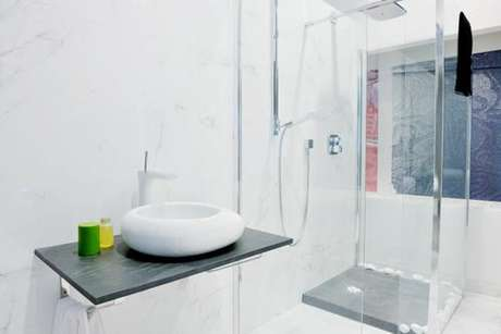 dicas de especialistas ajudam a organizar banheiros pequenos. Black Bedroom Furniture Sets. Home Design Ideas