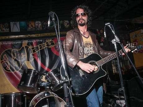Carlos Reyes cantará lo mejor de su música en Rock al Parque 2012.