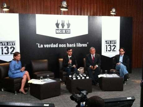 Los candidatos del PAN, PRD, y Nueva Alianza a la Presidencia de la República, durante el debate convocado por el movimiento #YoSoy132, en la sede de la CDHDF.