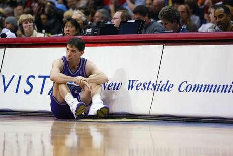 John Stockton es un jugador del Salón de la Fama, considerado de los 50 mejores de la historia de la NBA, pero con su único equipo, los Jazz de Utah no pudo ganar un título.