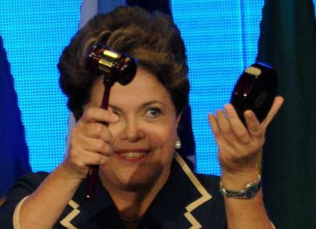 """La presidenta brasileña Dilma Rousseff concluyó la Conferencia con un plan titulado """"El futuro que queremos""""."""