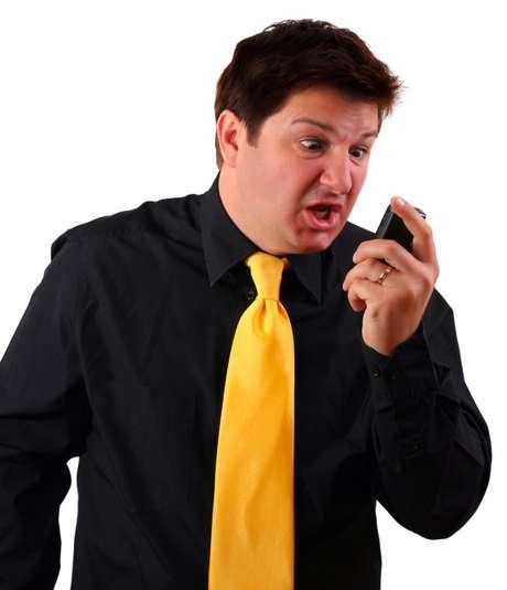 Cuando se emita un aviso de alerta para un distrito específico, los modelos de teléfonos multiuso más recientes en esa área recibirán un mensaje de no más de 90 caracteres, acompañado de un tono especial y vibración.