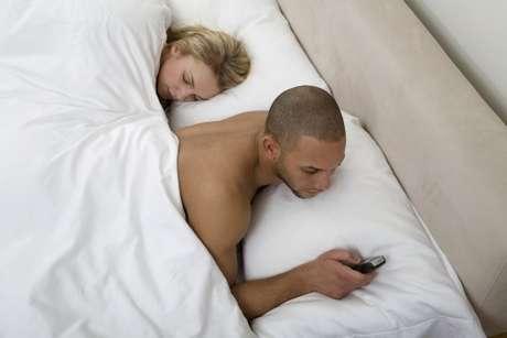 Cuestionado sitio de infidelidades logra exitosa puesta en marcha