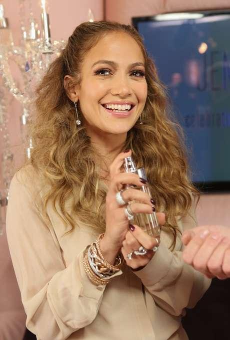 A linha de perfumes da cantora Jennifer Lopez é a mais popular no Reino Unido